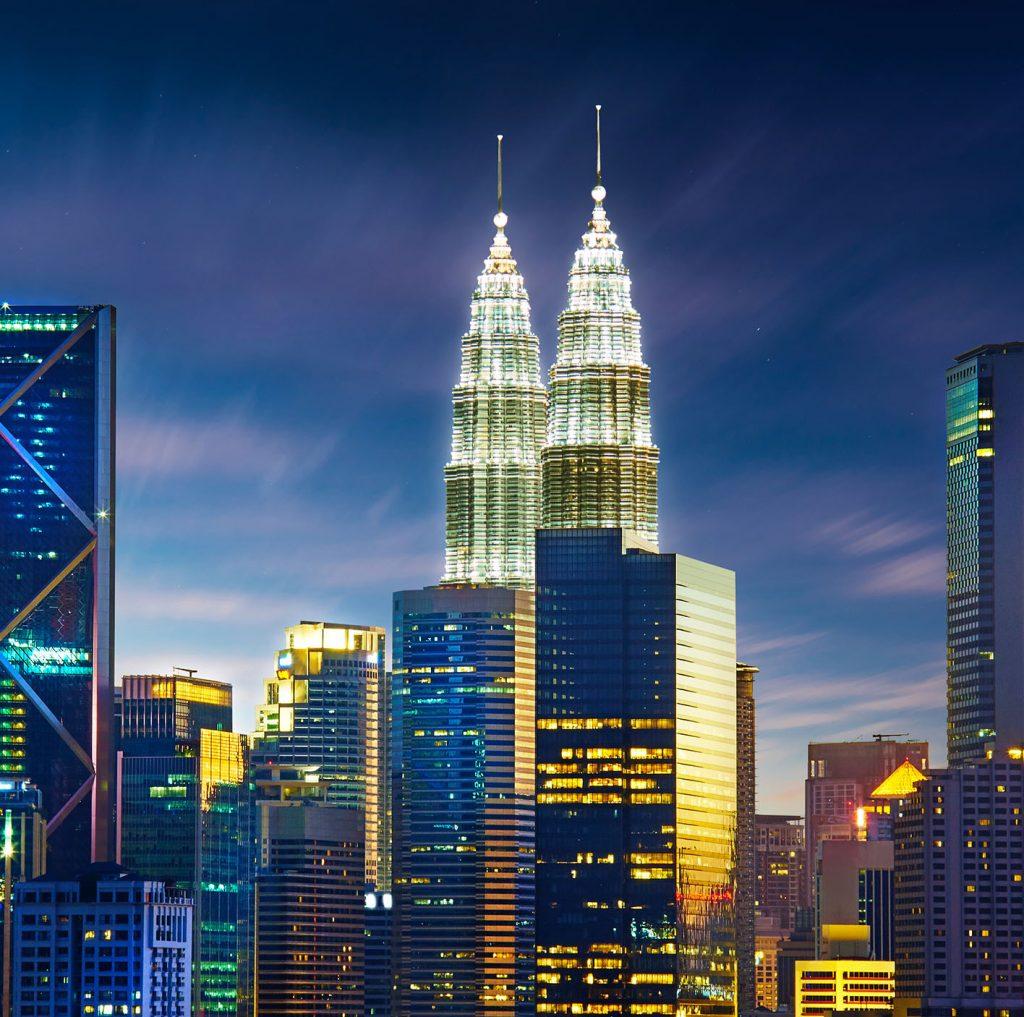 Petronas towers | Obstruction lighting system | Orga